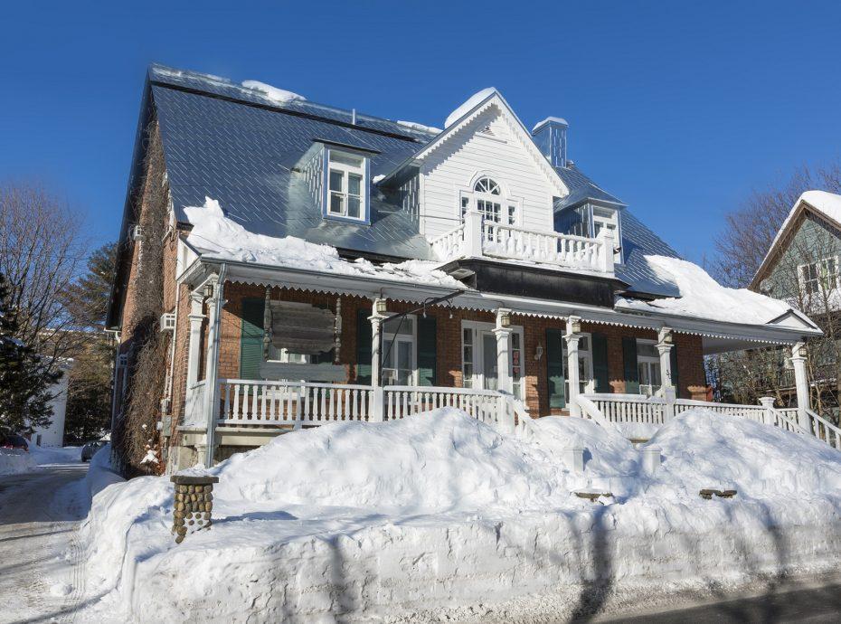Maison ancestrale à louer Baie-St-paul Charlevoix pour groupe ou famille vue hiver