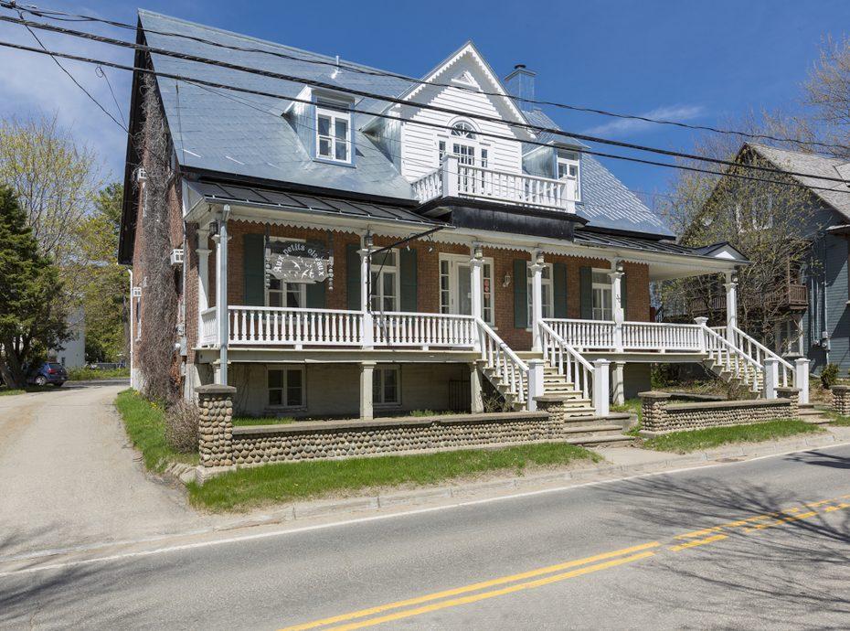 maison ancestrale à louer Baie-St-Paul Charlevoix - extérieur été